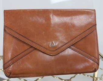 1970s Clutch - Purse Handbag - Leather Envelope Clutch - Horseshoe Metal Accent Closure - Country Western - Exterior Pocket With Zipper