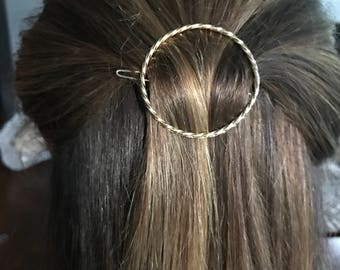 Twisted gold circle hair barrette clip