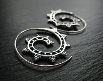 Silver Spiral Earrings Threader Hoops . Tribal Ethnic Urban Chic Jewelry . FREE SHIPPING in CANADA . ZARIshop