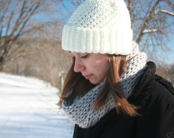 Light Gray Hand Knitted Single Loop Infinity Scarf