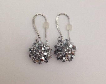 Comet Argent Light Beaded Bead Earrings
