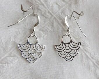 Sterling Silver Wave Design Earrings, SE-223