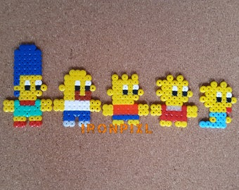 Figurines/Magnet/door-key/Deco bag Simpsons Homer, Marge, Bart, Lisa, Maggie [Pixel Art Hama beads.