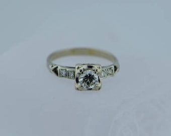 Circa 1930 14K WG .40 ct diamond ring with 4 round side stones, Size 5.75