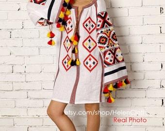 Vyshyvanka White Linen Embroidered Dress Tunic Ukrainian mini Dress Mexican Dress Bohemian Style Chicnationale Ukrainian Dress Linen Caftan