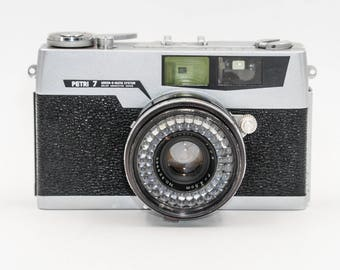 PETRI 7 Rangefinder with 45mm f2.8. lens