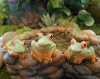 Miniature Tropical Frogs ~ Set of 3 Fairy Garden Frogs Figurines, Bright Green & Orange Pond Frog Accessory ~ Mini Animal for Terrariums
