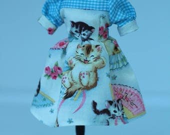 Cute retro style Blythe dress.