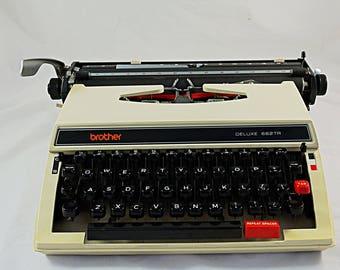 Vintage Typewriter, Brother Deluxe typewriter 1970s Japanese Manual Typewriter, Working Typemachine Typewriter Mid Century Portable
