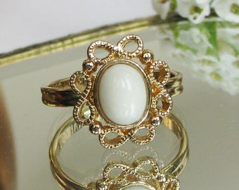 Vintage Sarah Coventry Ring Gold Tone Metal White Stone Size N or 6 1/2 adjustable