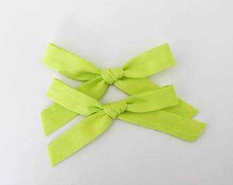 "Schoolgirl Bows "" Lime """
