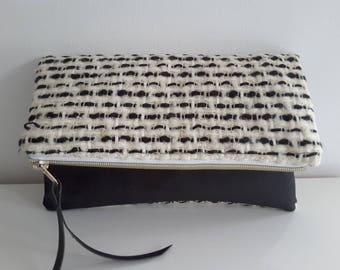 Clutch made of wool  and cork