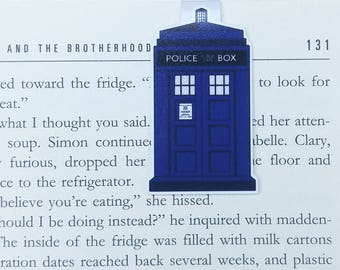 Doctor Who - Magnetic bookmark - Tardis || book lover gifts | dr who | bookmark | bookish | bookmarks | police box | magnetic bookmarks