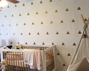 Pack Of 100 Gold Triangle Wall Stickers