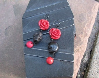 Red rose and black skull earring in coffin gift box- laughs when opened