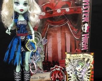 Monster High OOAK Frankie Stein Freak Chic du