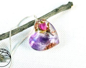 Amethyst in Resin, Resin Amethyst, Life Energy Jewelry, Life Energy Pendants, Good Energy Jewelry, Real Roses Jewelry, Resin Flower Amulets