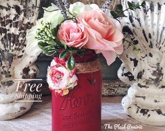 French Country Decor, Mason Jar Decor, Floral Arrangements, Country Decor, Painted Mason Jars, Silk Flower Arrangements, Spring Decor