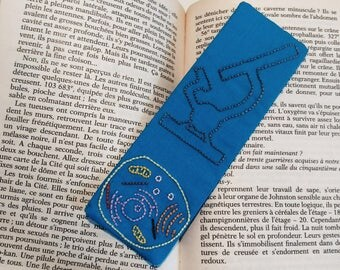 """Bookmark """"Cell"""" - microscope - book - reading - bookmark - book - biology hand embroidered"""