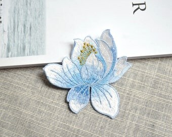 Blue flower patch ,blue flower embroidered Iron-on patch ,blue flower embroidered patch