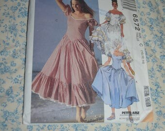 McCalls 6572 Misses Dresses  Sewing Pattern - UNCUT - Size 10 12 14 - Sweathearrt Neckline, off Shoulder Puffy Sleeves, Gathered Skirt