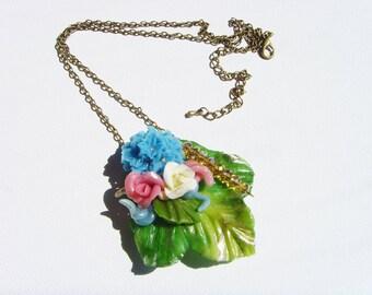Necklace leaf necklace, spring and flowers, cold porcelain necklace.