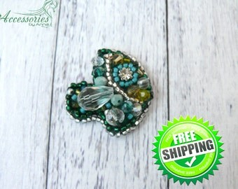 Green Fish Brooch Pin Animal Bead embroidered accessories Beaded Sparkling glitter Crystal brooch pin Coat pin Beaded brooch Beadwork brooch