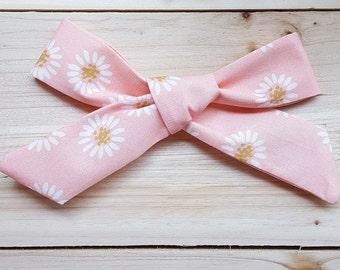 Pink Daisy Oversized Schoolgirl Bow