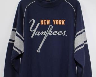 NEW YORK Yankees Sweatshirt  Major League Baseball New York Yankees Jumper Vintage Size L
