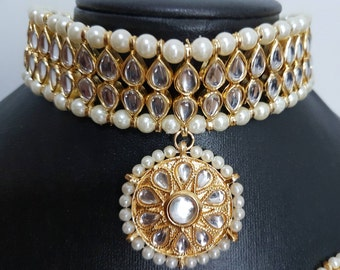 Gorgeous Indian kundan white beads bridal / non-bridal choker with mangtikka and earrings set