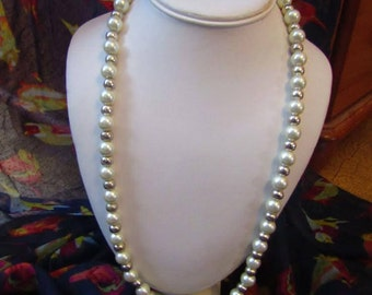 Vintage White and Silver Pearl Look beaded Necklace