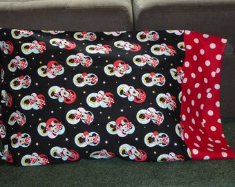 MINNIE MOUSE PILLOW case w/polka dots
