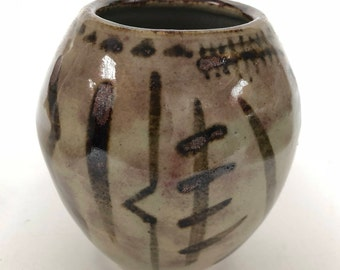 "Vintage Bud Vase // VTG Pottery // 4"" Ceramic Vase with tribal pattern"