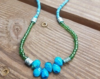 Green Blue Beaded Necklace|Teardrop Glass Beads|Perfect Length
