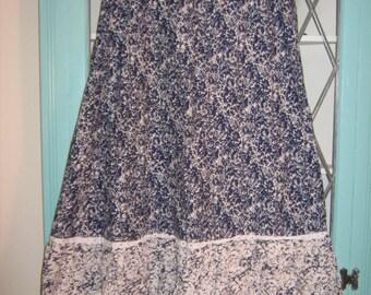 """True Vintage 1970s Boho/Peasant Skirt. 28"""" Waist."""