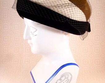 Vintage women's hat - velvet pillbox with netting