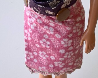 Reversible skirt for Barbie