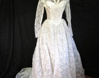 XS 50s Wedding Gown White Lace Tulle Beaded Sequins Train Classic Full Skirt Sheer Net Grace Kelly Extra Small