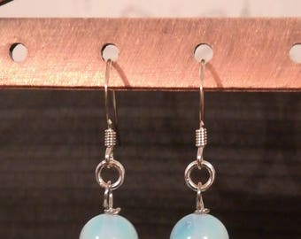 Earrings in 925 sterling silver and opaline beads
