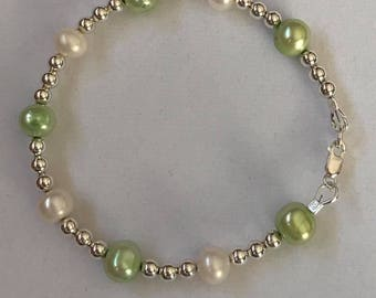 Freshwater pearls and sterling silver Bracelet