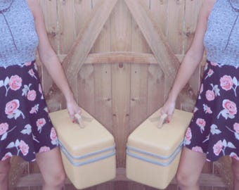 Vintage floral mini skirt
