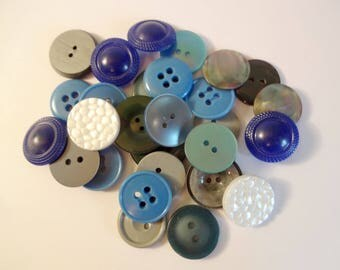 28 blue buttons - used - couture - scrapbooking - Mix 1