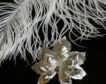 "Silver Tone Leaf Pin Fall Hallmark ""SAC"" - Vintage Sarah Coventry"