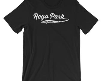 Rego park Queens T-shirt : Retro Queens Vintage NYC Tee Short-Sleeve Unisex T-Shirt