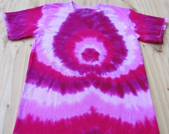 Tie Dye T-Shirt with V Neckline, 100 % Cotton, Hand Dyed in Hot Pink, Fuchsia, and Raspberry. Adult Size Small. FREE SHIPPING!