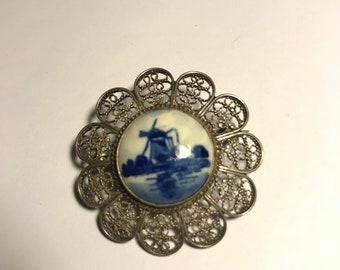 Delft ceramic Holland scene vintage brooch with filligree trim