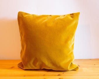 Pillow cover including gold-limited