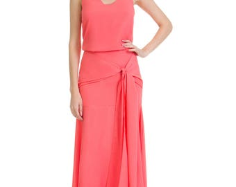 Gorgeous dress in crepe with belt