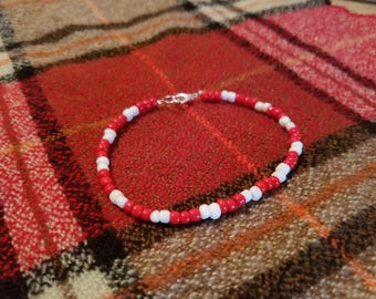 Wisconsin Badgers Red and White Beaded Bracelet