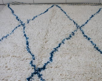 Hand made Beni Ourain Moroccan rug